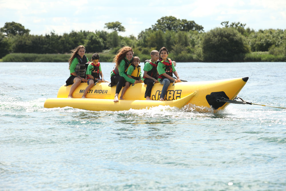 zichron-menachem-camp-for-children-with-cancer-water-skiing-fun